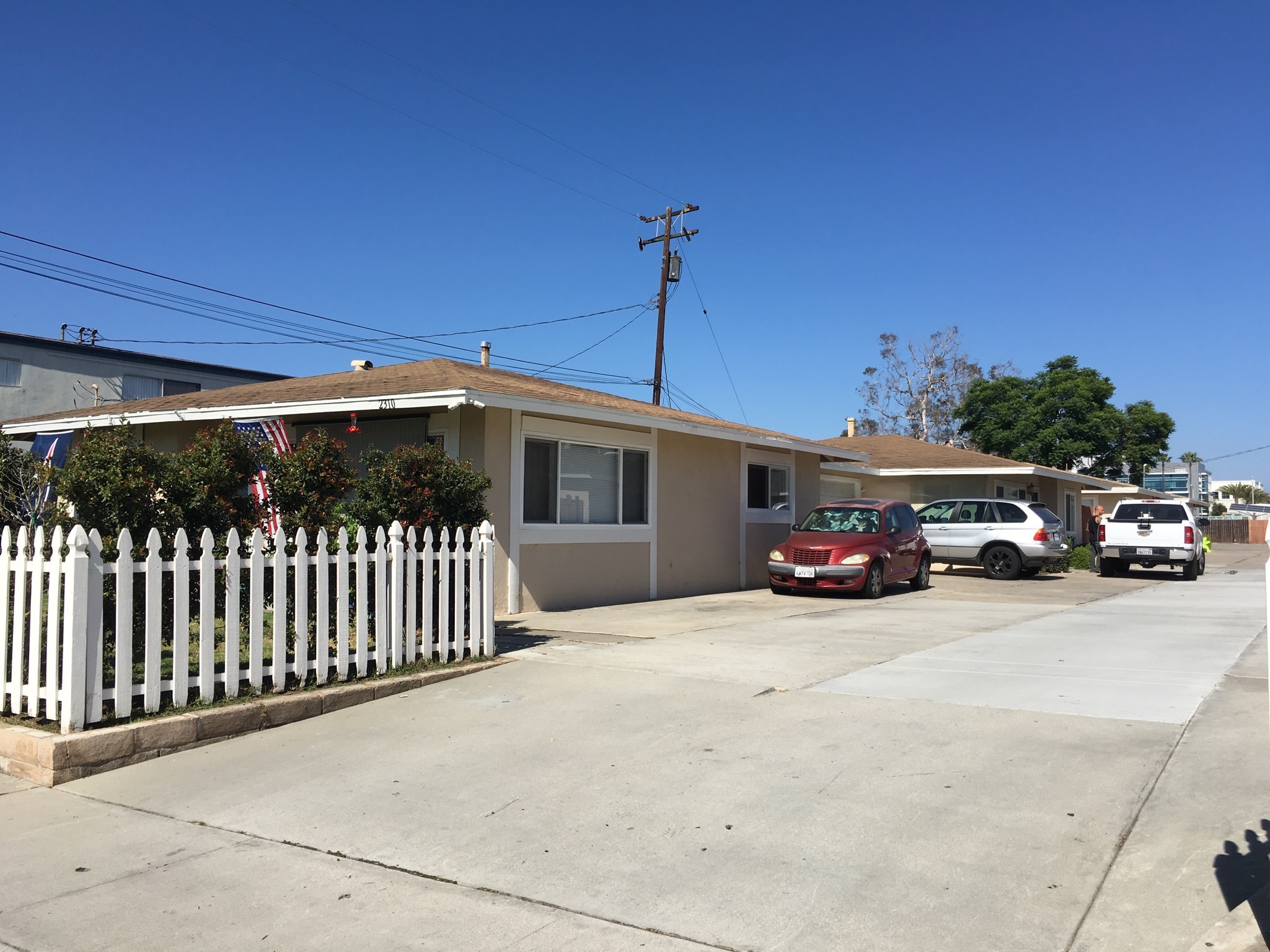 Four Cottage Style Houses on a lot in Huntington Beach